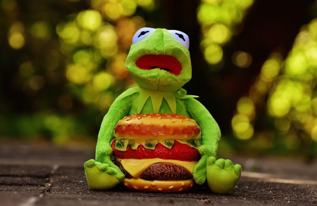 """Saltarse la dieta es fácil si sabes cómo. Aprende a detectar los alimentos """"extra"""" para poder limitarlos y mejorar tu alimentación"""
