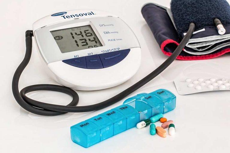 Tensiómetro automático y fármacos para la hipertensión arterial