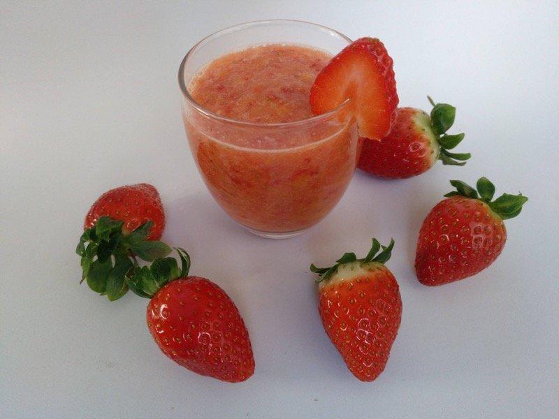 Batido De Fresas Y Naranja 1 Copia